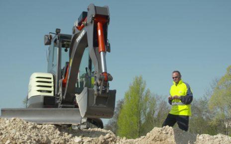 Volvo electric excavator EX02